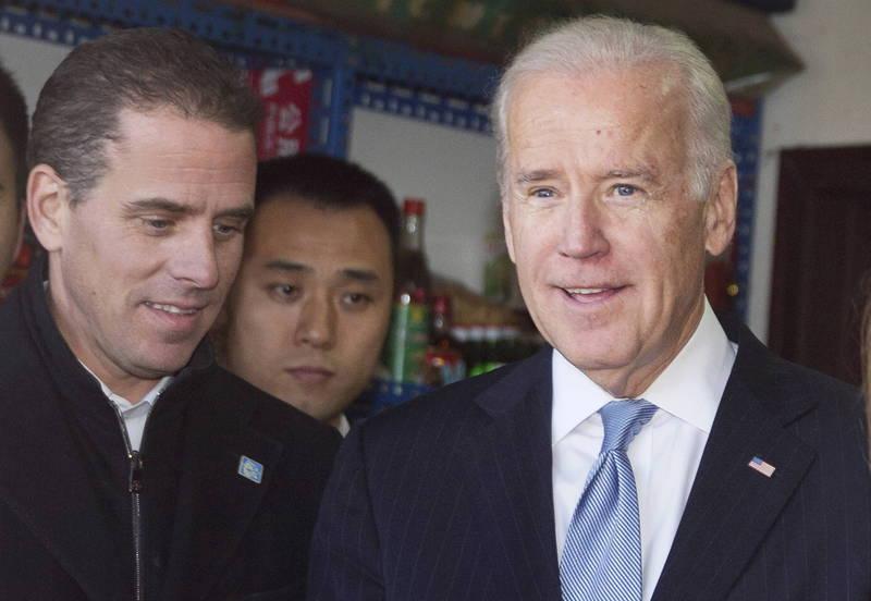 《紐約郵報》曝光杭特(左)涉嫌貪腐信件,指出拜登(右)疑似知情並參與其中。(歐新社)