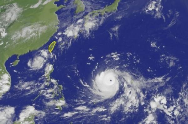山竹颱風強度轉強颱,颱風眼逐漸清晰。(圖擷取自中央氣象局)