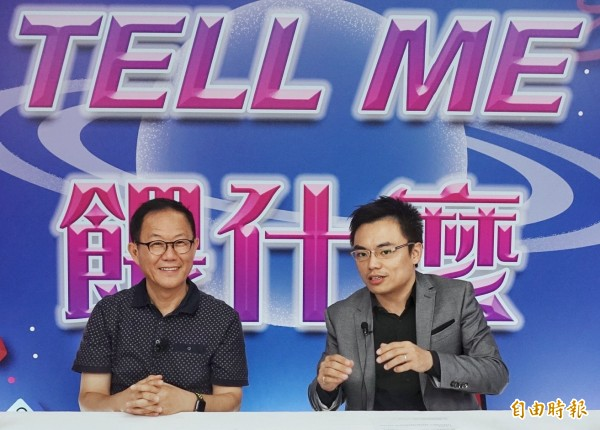 國民黨台北市長參選人丁守中29日前往國民黨中央,出席國民黨臉書直播節目專訪。(記者方賓照攝)