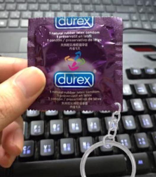 網友自製的「老司機悠遊卡」。(圖擷自爆怨公社)