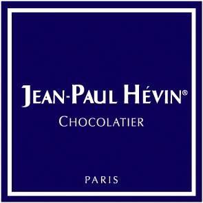 來自法國的頂級巧克力品牌JEAN PAUL HEVIN,有巧克力界的頂級珠寶的美稱,2012年其中的巧克力馬卡龍甚至被評選為巴黎第一名馬卡龍。(圖擷取自Jean-Paul Hévin Chocolatier Taiwan臉書粉專)