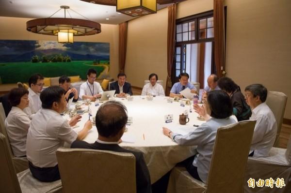 總統蔡英文在24日舉行的執政決策協調會議,拍板全盤修訂公司法。(資料照,總統府提供)