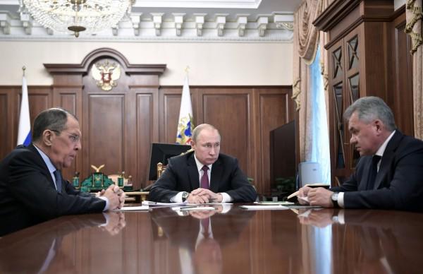 俄羅斯總統普廷(Vladimir Putin)今(2)日表示,莫斯科暫停遵守INF。(路透)