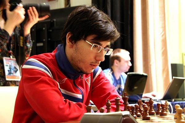 俄羅斯年輕西洋棋大師葉利謝耶夫26日意外身亡,圖為他參加今年莫斯科西洋棋公開賽。(圖擷自維基百科)