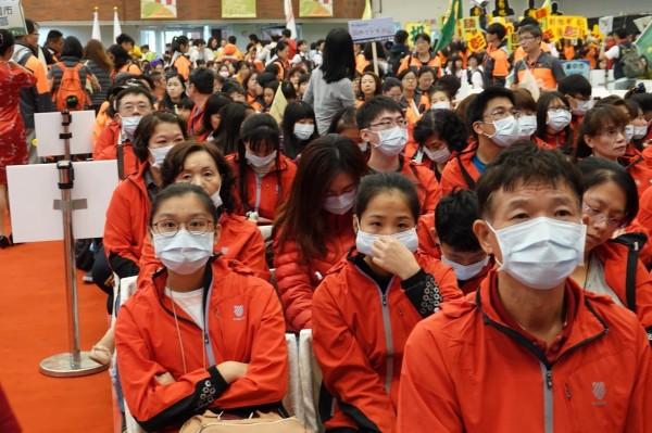 今年的全國語文競賽發生不公事件,新北市參賽者以戴口罩表達抗議。(新北市教育局提供)