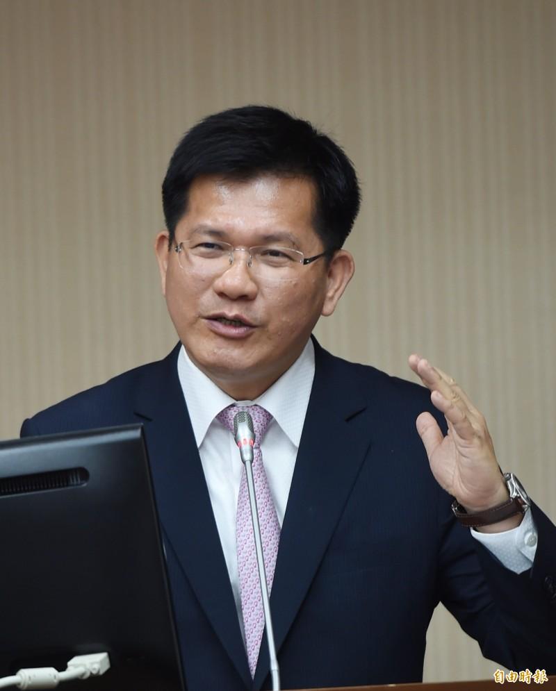 立法院交通委員會25日開會,交通部長林佳龍列席備詢。(記者方賓照攝)