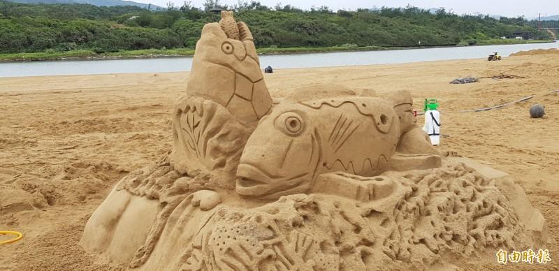 福隆沙灘大量流失,監院糾正台電等單位。圖「2018福隆國際沙雕藝術季」福隆沙灘創作。(資料照)