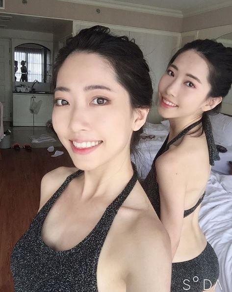 2人在IG分享比基尼照,讓網友看了高喊「我全都要」!(圖擷取自IG「twins_shin」)