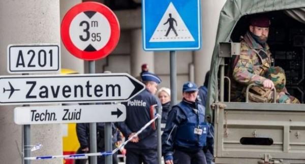 先前機場發出聲明表示在4月1日晚間可重啟部分機場,不過警察工會因機場安全設施不足而罷工抗議,迫使機場延後重啟。(美聯社)