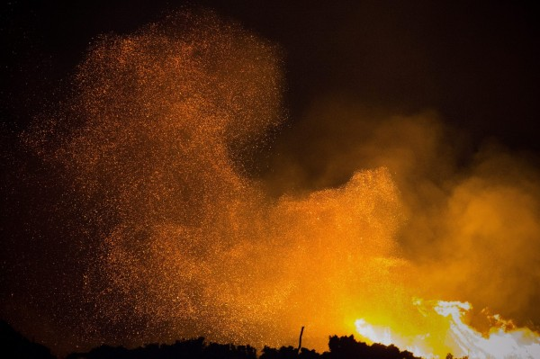 南非開普敦日前發生荒野大火,火勢相當猛烈。(歐新社)