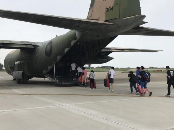 印尼海嘯,國軍已備好4架C-130運輸機待命救援。(資料照,第六混合聯隊提供)