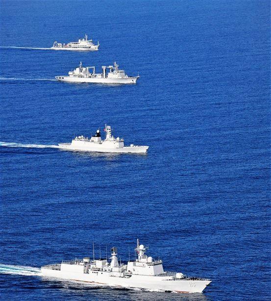 中國海軍派出4艘軍艦前往俄羅斯遠東城市符拉迪沃斯托克參加軍演。(圖擷取自新華社)
