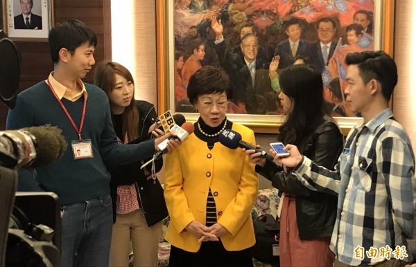 呂秀蓮今天接受訪問,指台灣旅行法對台灣來說是「遲來的正義」。(記者蘇芳禾攝)