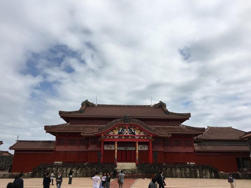 首里城過去為琉球王國王都,曾毀於二戰戰火,2000年登錄為世界遺產。(民眾提供)