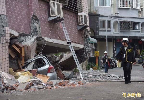 國盛六街災區現場。(記者羅沛德攝)
