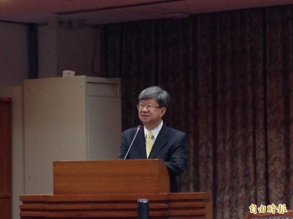 吳思華今日前往立院教育文化委員會備詢,竟表示在他任內並沒有看到任何課綱爭議問題。(記者林曉雲攝)