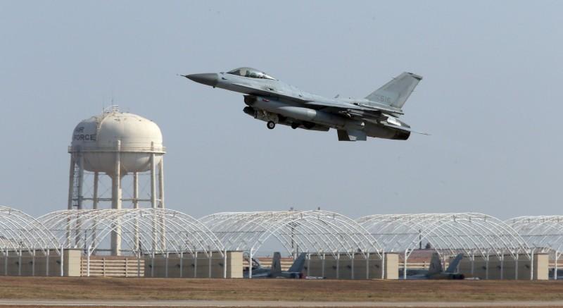 KF-16為韓國生產的F-16,是目前韓國空軍主力戰機之一。(歐新社)