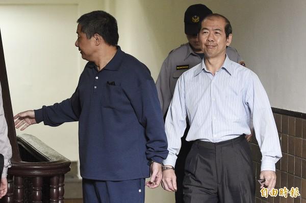 鎮小江(左)日前被依違反國家安全法的發展組織罪判四年徒刑確定,同案被告許乃權(右)今被判兩年十月徒刑定讞。(資料照,記者陳志曲攝)