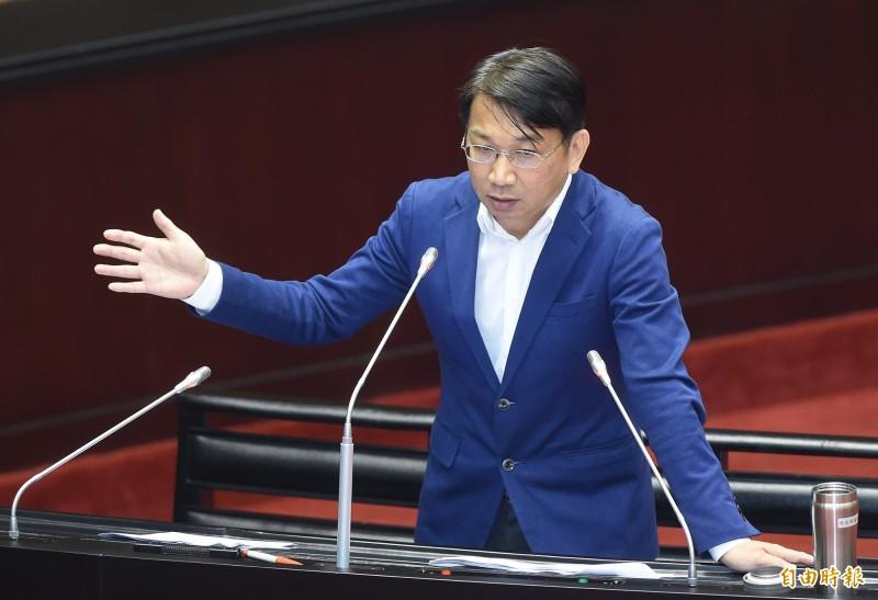 時代力量立委徐永明呼籲國民黨快點勸韓國瑜辭去高雄市長一職,不然就問問良心推動修法。(資料照)
