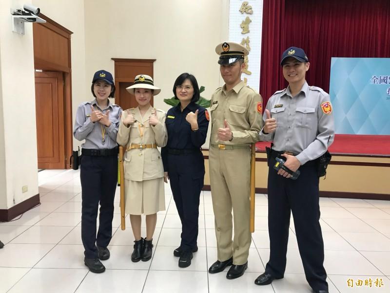 中間藏青色為最新一代的警察制服,黃色為民國56年穿的第一代制服,左右兩側則是大眾熟悉的舊制服。(記者簡亭宇攝)