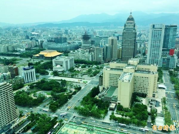 台大批踢踢實業坊一名網友以台灣產業環境現況解讀這篇文,讓網友讚賞。(資料照,記者王孟倫攝)
