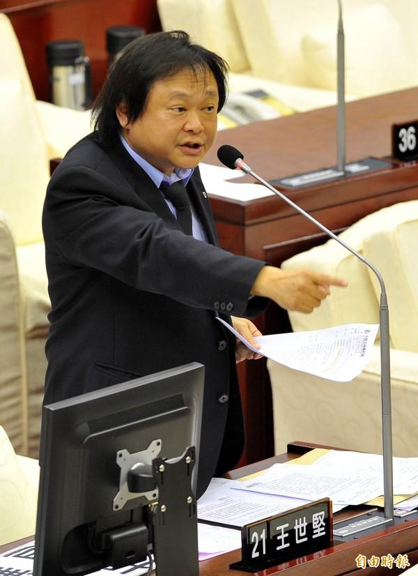 胡先生所持有的白色恐怖相關文件,目前暫時交由台北市議員王世堅(見圖)保管。(資料照,記者簡榮豐攝)