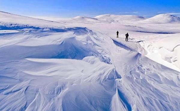 北歐五國中的芬蘭,在2017年屆滿獨立百年,挪威人民與當局決定將靠近兩國邊界的「哈爾蒂亞峰」拱手送給芬蘭作為獨立百年賀禮。(圖擷取自每日電訊報)