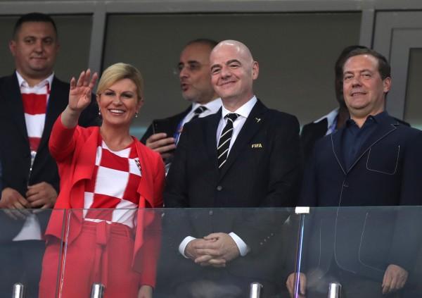 克羅埃西亞總統基塔諾維奇到現場看球,她的美貌意外掀起話題。(歐新社)
