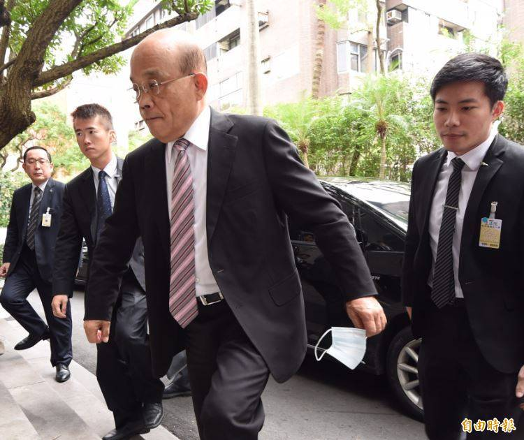 行政院長蘇貞昌表示,行政院完全尊重NCC的專業審查,或許是因為馬政府曾經停播年代綜合台,有過干預的經驗,才以為他會干預且有辦法干預。(記者劉信德攝)