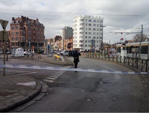 比利時警方再度展開大規模反恐突襲行動。(圖片擷取自推特)