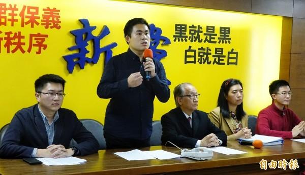 王炳忠(圖中)、林明正、侯漢廷、陳斯俊下午發出聯合聲明。(資料照,記者張嘉明攝)