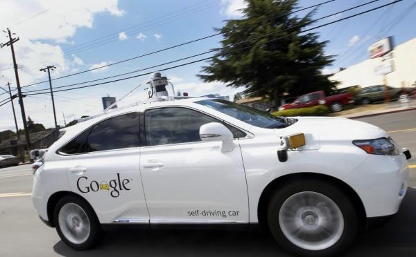 Google自駕車二月中旬測試時擦撞公車。圖非事故車輛。(資料照,美聯社)