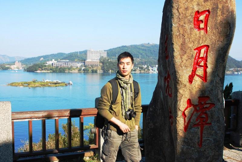 作家李戡今天爆料,指出前東南衛視駐台記者葉青林(見圖)日前因為吸毒在中國被抓,但中國封鎖消息以免「被台灣作文章」。(圖擷自葉班長台灣網頁)