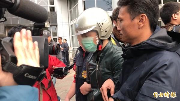 男子程宇被移送偵辦。(記者邱俊福攝)