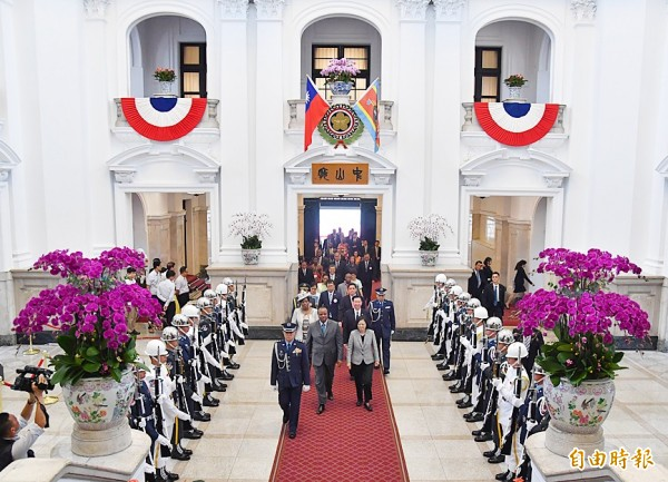 President Tsai Ing-wen, front right, and King Mswati III of Eswatini, center, walk into the Presidential Office Building in Taipei on June 8. Photo: CNA