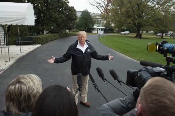 針對《華盛頓郵報》專欄記者哈紹吉(Jamal Khashoggi)命案,美國總統川普(Donald Trump)表示,他會在2天內收到完整報告。(法新社)