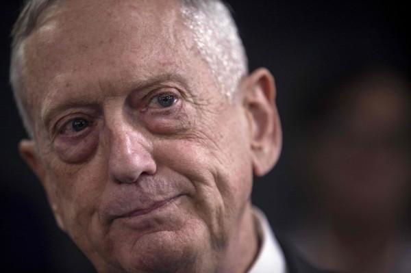 美國國防部長馬提斯24日表示,美軍將繼續駐紮在敘利亞擔任顧問角色,直到殲滅「伊斯蘭國」(IS),並保證IS勢力無法影響敘利亞為止。(法新社)