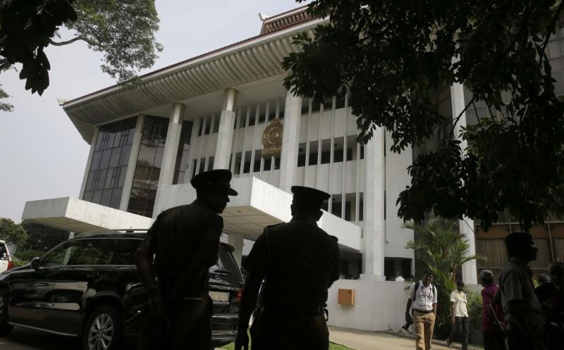 斯里蘭卡政府正推動重新將毒販判處死刑的計畫,上月在報紙刊登廣告招「劊子手」,至今有100多人遞出申請,包括一名美國人。圖為斯里蘭卡最高法院。(美聯社)
