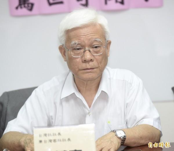 台灣社社長張葉森說,4年來,柯素人變成「柯萊爾」(liar,騙子之意),他的所作所為,是利用民主做反民主,重回威權,柯文哲應該退選!(資料照)
