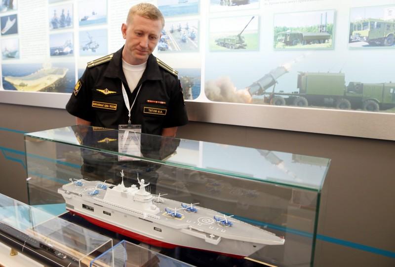 俄羅斯新型直升機航空母艦傳在今日開工。圖為該型航艦模型。(歐新社)