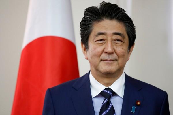 日本消息人士指出,安倍晉三打算9日在東京與中國國務院總理李克強會晤,雙方可能談到釣魚台問題。(法新社)