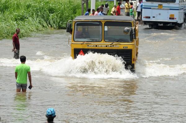 斯里蘭卡連日大雨洪患,引發土石流。(法新社)