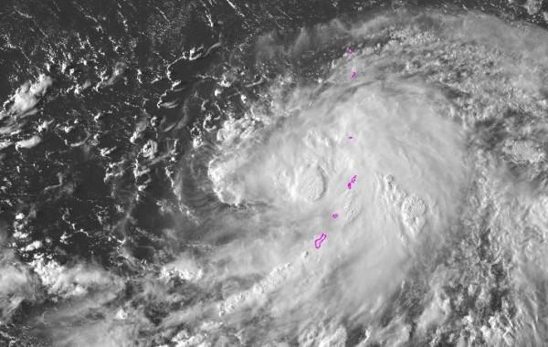 美軍聯合颱風警報中心示警,西北太平洋編號28熱帶性低氣壓將在未來24小時之內逐漸增強。(圖擷取自美國國家海洋暨大氣總署)