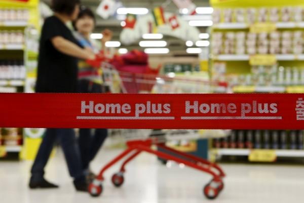 南韓知名大型連鎖超市Homeplus金浦店,今(20日)下午接到電話宣稱店內被放置炸彈。Homeplus店面示意圖。(路透)