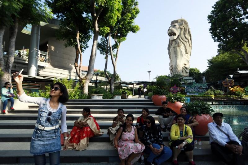 新加坡知名的旅遊景點「聖淘沙魚尾獅」下月20日將拆除。(歐新社)