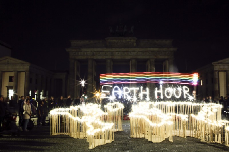 德國民眾響應「地球一小時」活動。(美聯社)