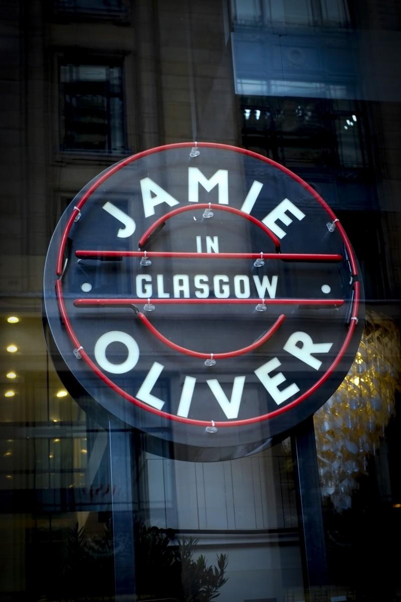 過去全盛時期,奧利佛旗下義大利餐廳在全英國共有42家。(法新社)