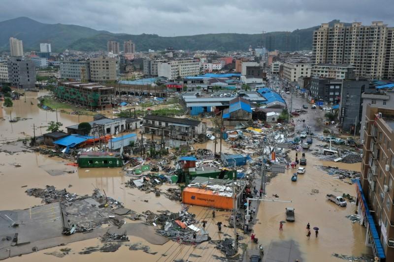 利奇馬橫掃中國災情擴大,6省逾600萬人受災。圖為浙江省樂清市。(路透)