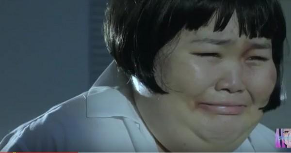 中山女高強調,該MV穿著本校校服之演員,拍攝出誹謗、霸凌、惡意影射之畫面,讓視聽大眾感到極度不適,校方認為極度不妥。(圖擷取自Youtube)