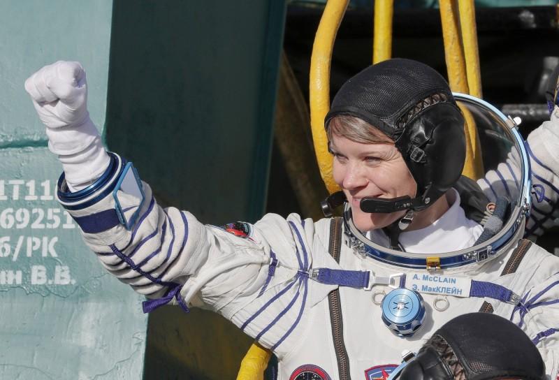 美國航太總署本月29日將有2名太空員執行太空漫步的任務,而這也是史上第1次全機組人員都是女性。圖為太空人安妮‧麥克林。(資料照,歐新社)